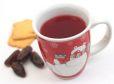 Brezalkoholni punč s češnjevim sokom in z okusom po medenjakih