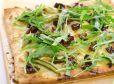 Špargljeva pica s posušenimi paradižniki