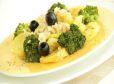 Krompirjeva solata z brokolijem in tuno iz parne pečice