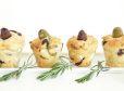 Mafini z olivami in mediteranskimi zelišči