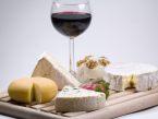 Kaj pijemo ob siru?