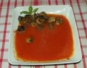 Paprikasuppe mit Champignons
