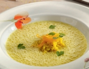 Orangen-Couscous-Suppe