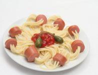 Špageti s hrenovko
