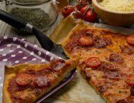 Pica s klobaso salsi...