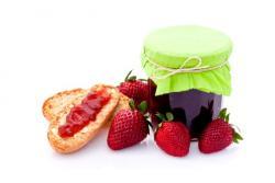 Najboljši recepti za vlaganje in vkuhavanje sadja