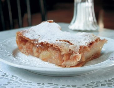 Old Viennese Apple Strudel