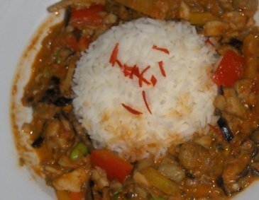 Rotes Curryhuhn