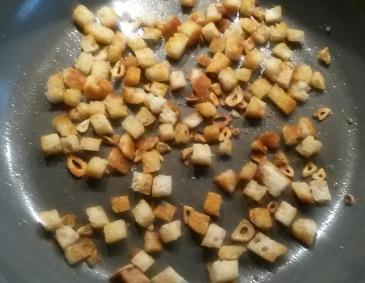 Knoblauchcroutons
