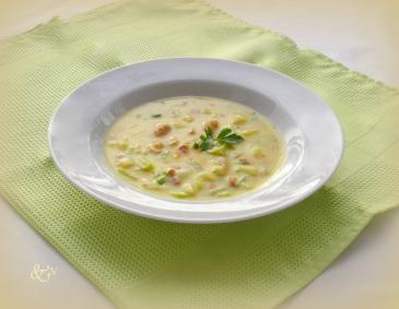 Porree-Curry-Suppe