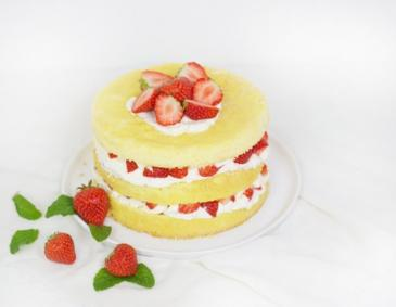 Naked Strawberry Cake