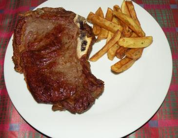 Rib-eye-Steak mit Rosmarinpommes