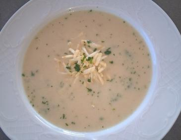 Petersilienwurzel Suppe