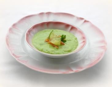 Sommerliche Avocado-Suppe