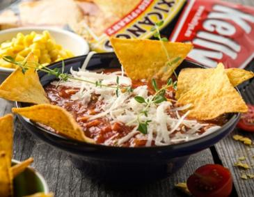 Mexikanische Suppe mit Tortilla-Chips