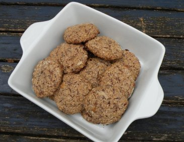 Haselnuss-Rosinen-Schoko-Cookies
