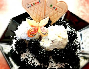 Sommerliches Coconut Kiss Eis