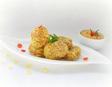Chicken Nuggets in Cornflakes-Panier mit Paprika-Dip