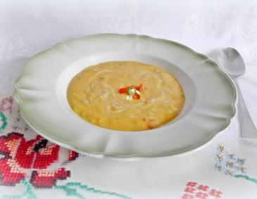 Paprikacurrysuppe