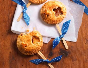 Apple-Pie Pops