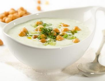 Kalte Gurken-Buttermilch-Suppe