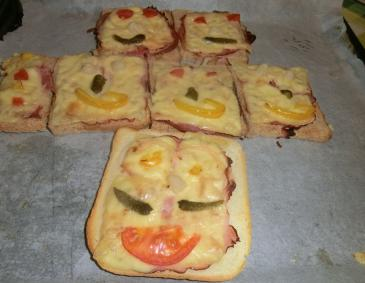 Kinder-Party-Pizzabrötchen