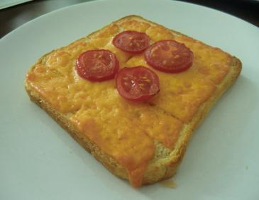 Cheddar-Tomaten-Toast