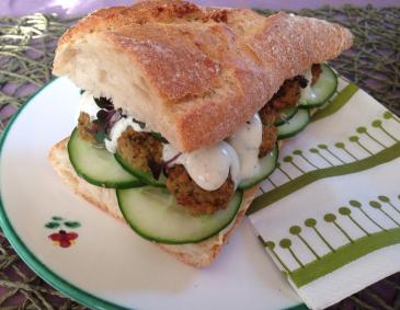 Vegetarisches Falafel-Sandwich