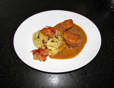 Schweinemedaillons in Pfeffer-Grappa-Obers Sauce