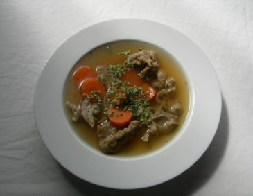 Lebernockerl-Suppe