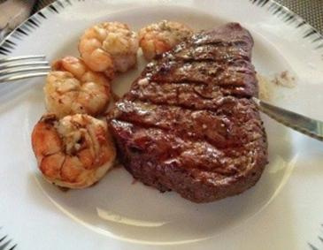 Steak mit Scampi