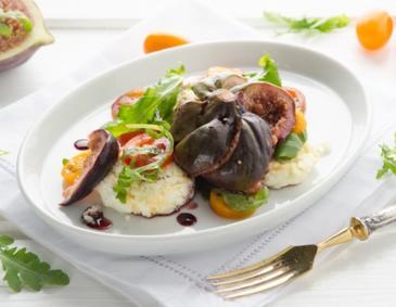 ziegenfrischk se pralinen auf winterlichen blattsalaten rezept. Black Bedroom Furniture Sets. Home Design Ideas