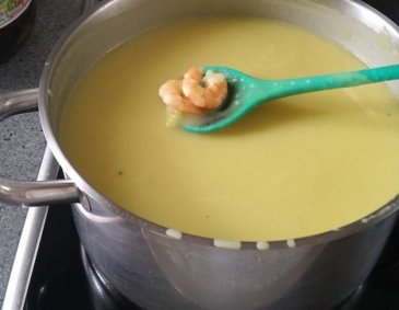 Kartoffel-Curry-Garnelen-Suppe
