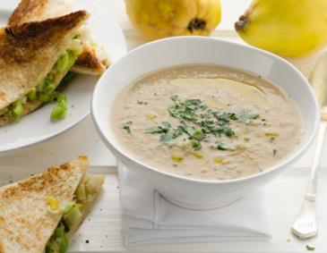 Quittensuppe mit Toastecken