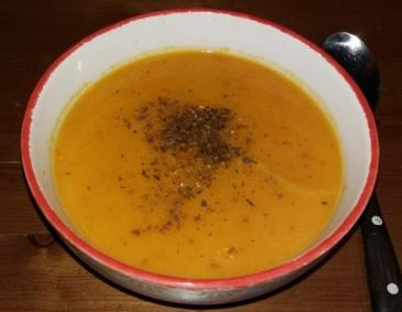 Kürbis-Mandarinen-Suppe