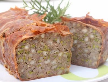 Mleta pečenka s pistacijami