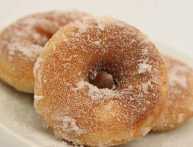 Krofi s sladkorno glazuro