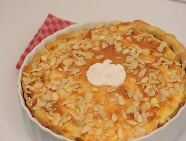 Jabolčno pecivo z brusnicami