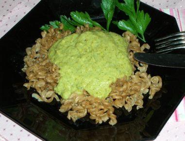 Brokoli s sirovo omako