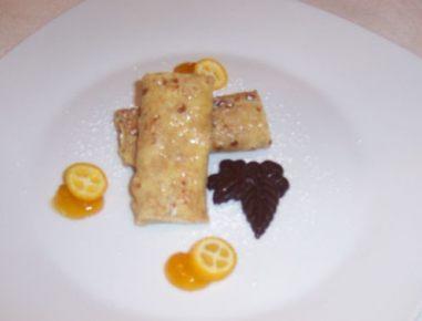 Pirine palačinke z marelično marmelado