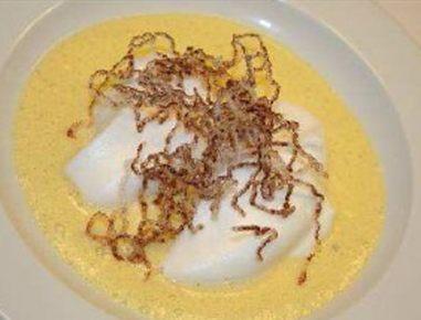 Žličniki iz snega v domači vanilijevi omaki