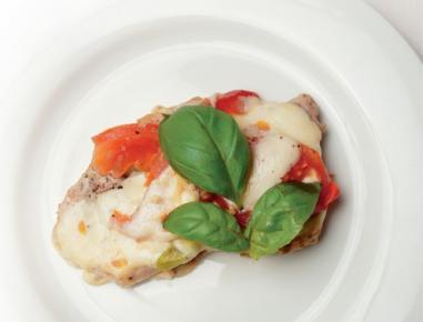 steaks im pizzastil mit k se und tomaten rezept. Black Bedroom Furniture Sets. Home Design Ideas