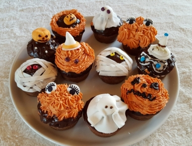 halloween cupcakes und muffins rezept. Black Bedroom Furniture Sets. Home Design Ideas