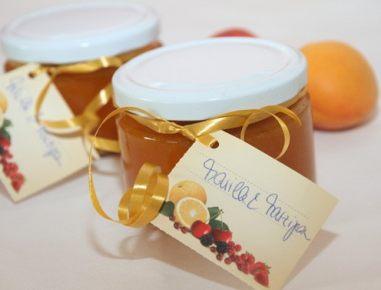 Marelična marmelada s koščki marcipana