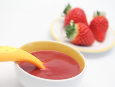 Hrana za dojenčke: kaša iz jagod in banane