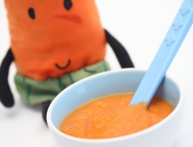 Hrana za dojenčke: kaša iz jabolka in korenja