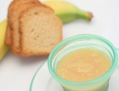 Hrana za dojenčke: Kašica iz polnozrnatega prepečenca in banane