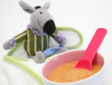 Hrana za dojenčke: marelična kaša s prepečencem