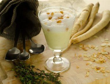 Kremna juha iz peteršiljevih korenin