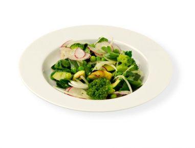 Spomladanska zelenjavna solata